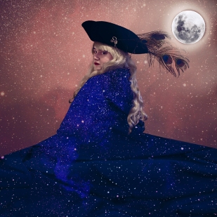 The Dreamwalker in her Cloak of Stars